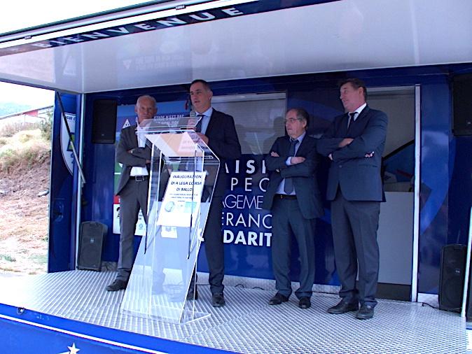 Inaugration en présence de nombreuses personnalités dont le président de l'Exécutif, Gilles Simeoni, Noël Le Graët, président de la FFF et François Ravier, préfet de la Haute-Corse