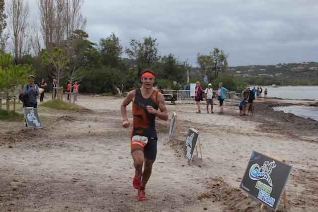 Thibault Gire vainqueur du triathlon de St Cyprien
