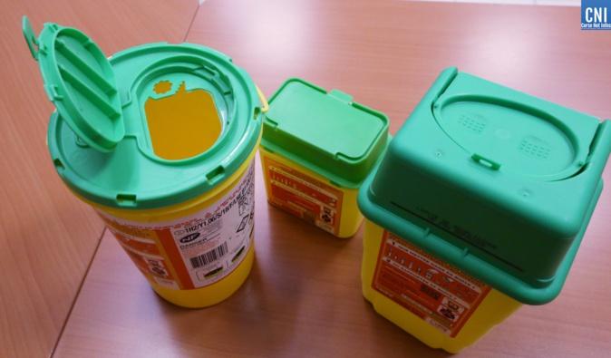 Les boîtes sont disponibles gratuitement dans certaines pharmacies et sur le site du DASTRI - Copyright : Michel Luccioni