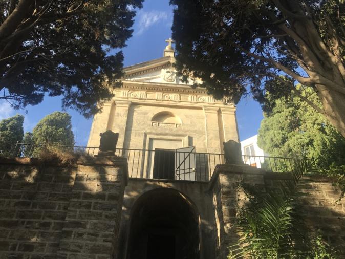 Le tombeau oublié de la famille Benedetti.