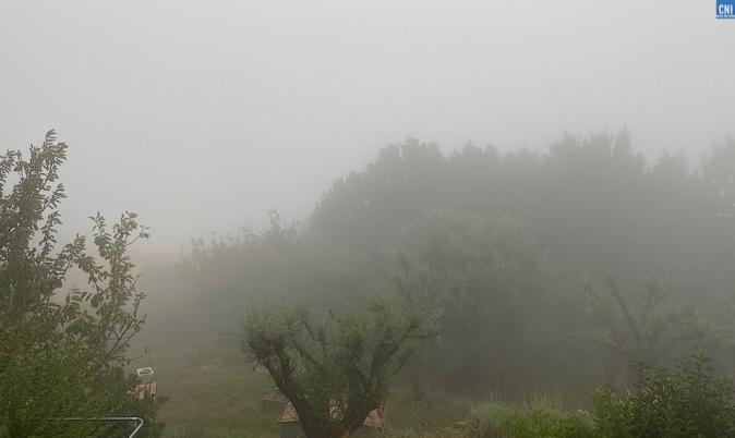 La région bastiaise dans la brume