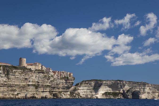 Torrione de Bonifacio (L. Colonna), la photo renvoie à l'itinéraire touristique et au partenariat avec l'office de tourisme de Bonifacio