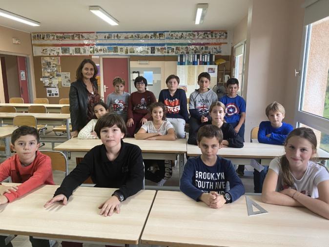 """La classe de CM2 de l'école d'Erbalunga a remporté le prix national des """"Petits artistes de la mémoire""""."""