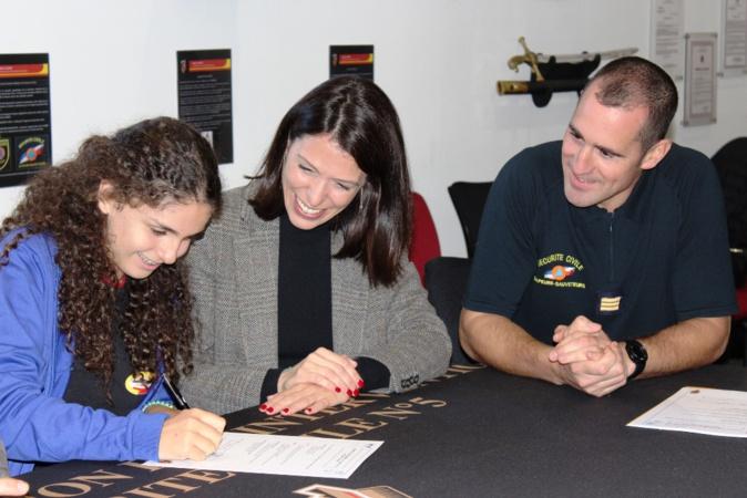 La cérémonie officielle de signature des chartes d'engagement