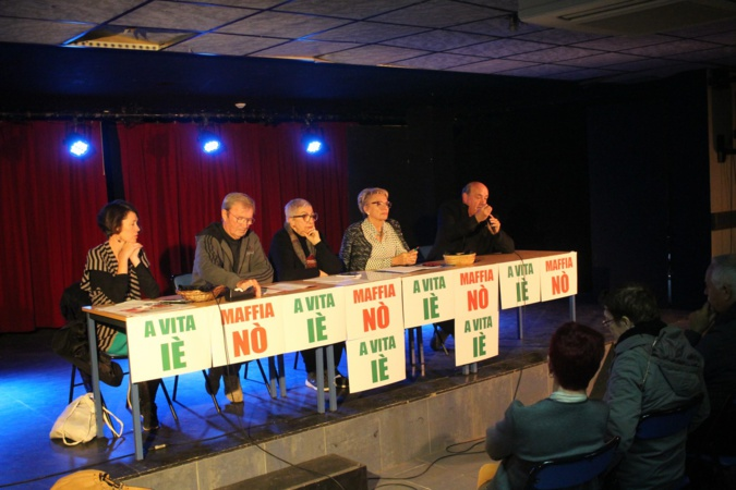 Le collectif avec dce gauche à droite Vanina Bernard-Léoni, Vincent Carlotti, Dominique Bianconi, Josette Dell'ava  Santucci et Léo Battesti.