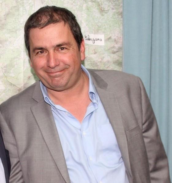 François-Xavier Acquaviva démissionne de ses fonctions de conseiller municipal et conseiller communautaire de Calvi et annonce qu'il rejoint  l'équipe de Ange Santini