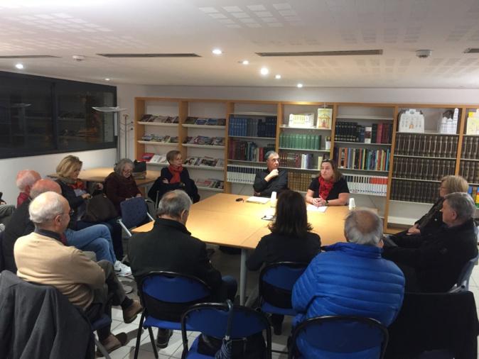 Linda Piazza, responsable de la bibliothèque patrimoniale avait invité Ange Laurent Bindi pour parler du débat politique dans la presse entre 1910 et 1940