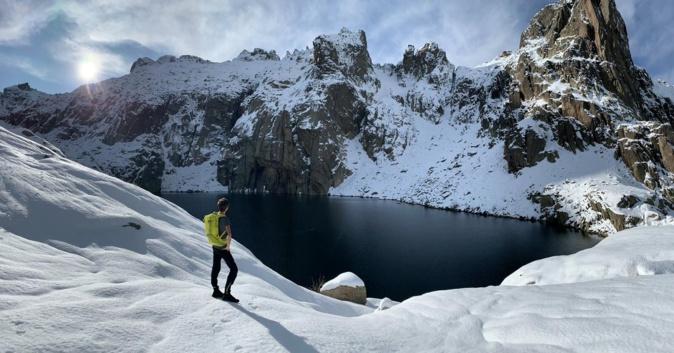 La photo du jour : La première neige au Lac de Capitello
