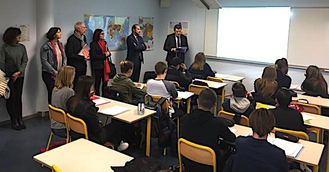 Au collège de Montesoro à Bastia, le texte a été lu à une classe de 3ème par le préfet de la Haute-Corse