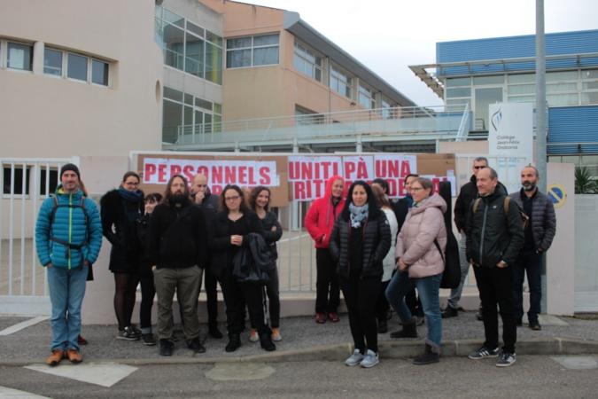Grève : rassemblement devant le collège de Calvi