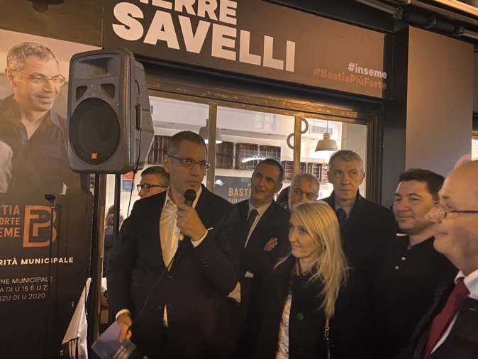 Pierre Savelli inaugure sa permanence sur le boulevard Paoli à Bastia.
