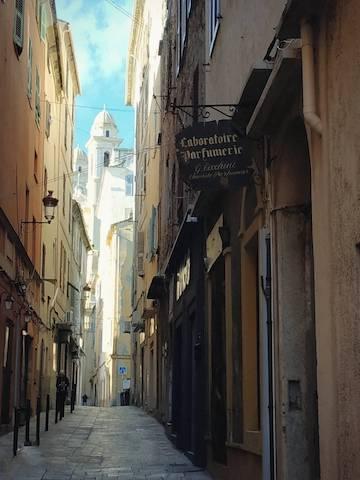 La photo du jour : le clocher de Saint Jean