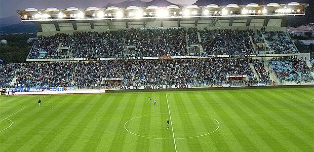 Stade de Furiani : La position de Pè Bastia, Pè a Corsica