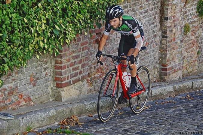 Cyclisme : Axel Narbonne-Zuccarelli  porte les couleurs de son île sur le continent