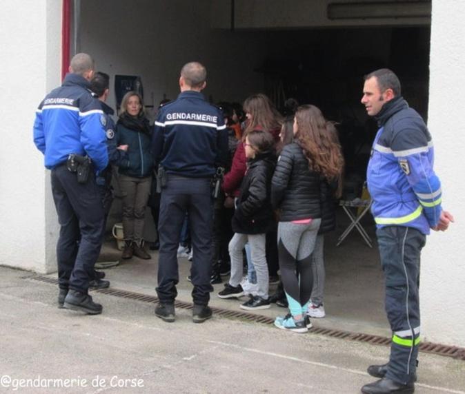 Ile-Rousse. Les collégiens visitent la brigade de gendarmerie