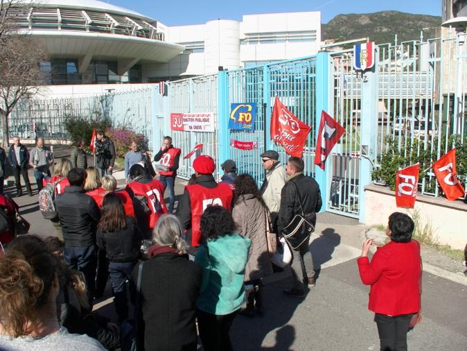 Rassemblement aux flambeaux à Bastia pour les opposants à la réforme des retraites