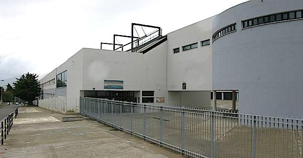 Le bureau de la principale du Collège de Montesoro a été visé par des tires de carabine à plomb.