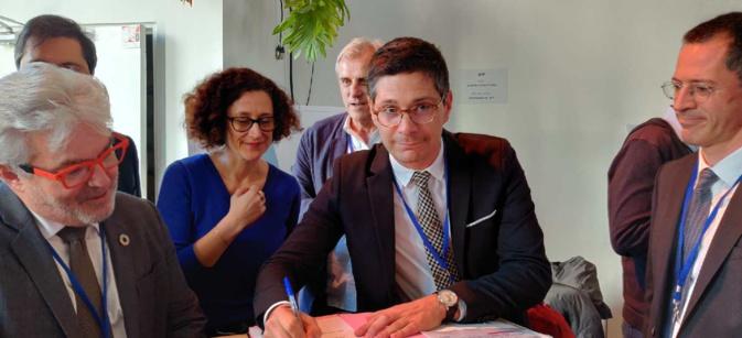 Le contrat paraphé par Florent Farge sous-préfet de Calvi