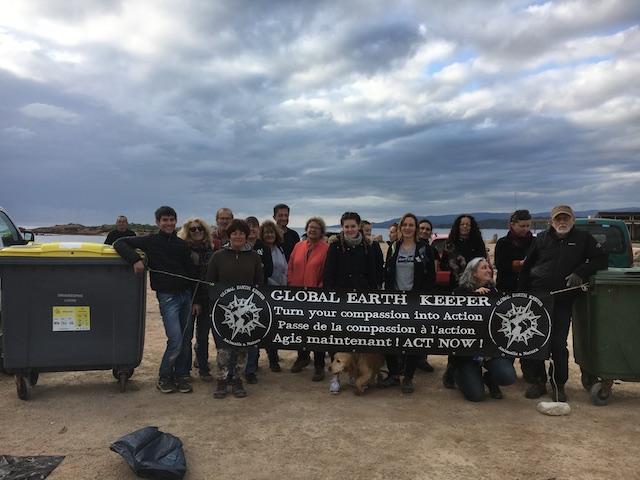 Corse du Sud : un beau succès pour l'opération de dépollution de la plage de la Tonnara
