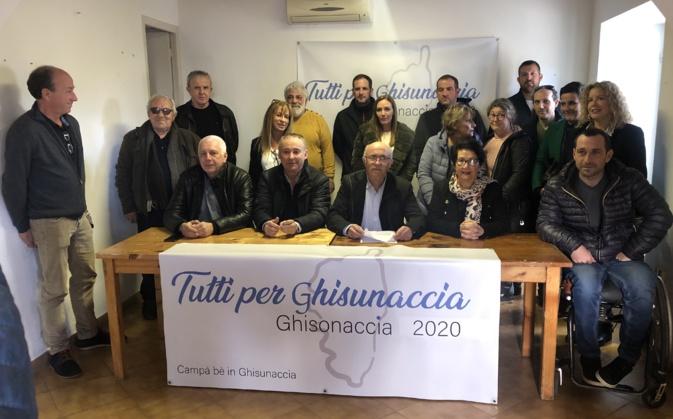 """Francis Giudici et les membres de sa liste : """"Tutti per Ghisunaccia"""""""