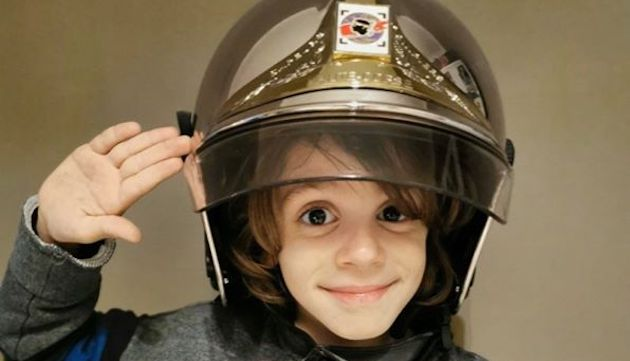 Ezio, 7 ans sauve la vie de son ami.