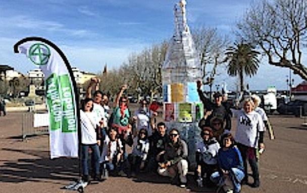 « En verre et contre tout » : nouvelle action de Extinction Rébellion  Corsica  à Bastia