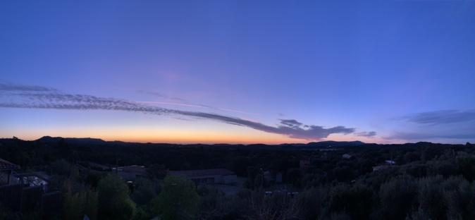 Levé de soleil ce matin sur le hameau de Gialla par  Francis Maury