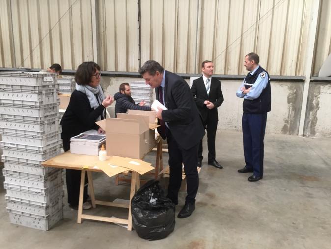 François Ravier, préfet de la Haute-Corse, a salué ce samedi matin les personnes mobilisées pour les opérations de mise sous pli des documents de propagande et des bulletins électoraux destinés aux électeurs pour le 1er tour des élections municipales.