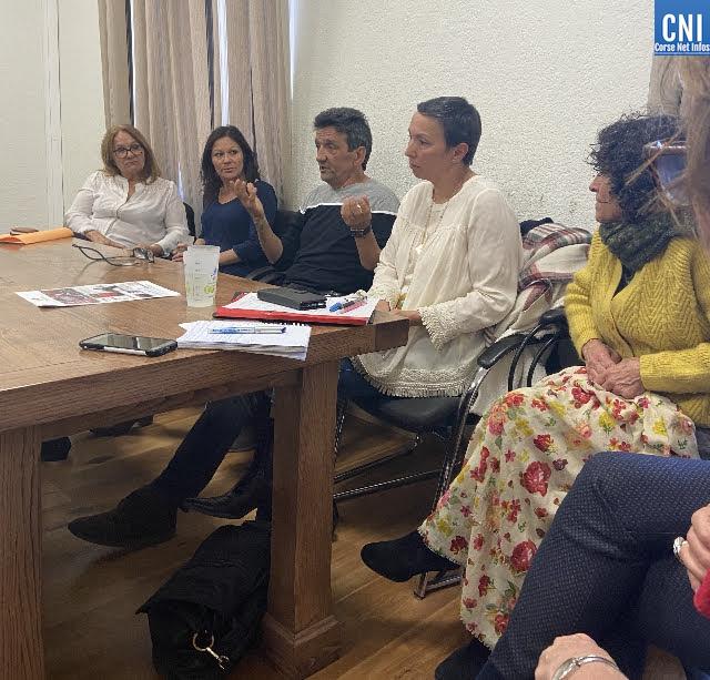 Table ronde d'Entr'Aide et Loisirs pour la journée de la femme à Calinzana