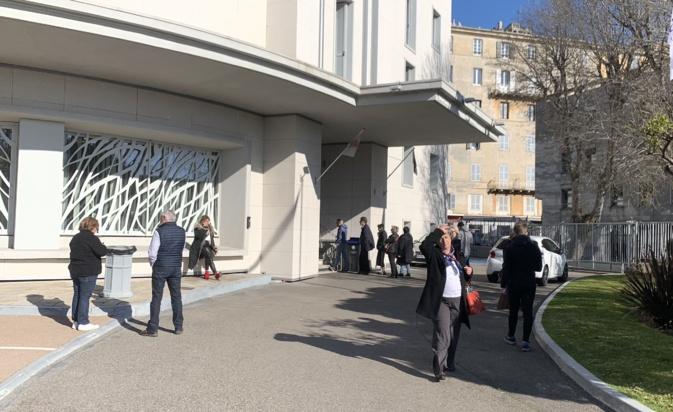 Malgré les mesures de confinement, les électeurs bastiais sont appelés aux urnes ce dimanche 15 mars