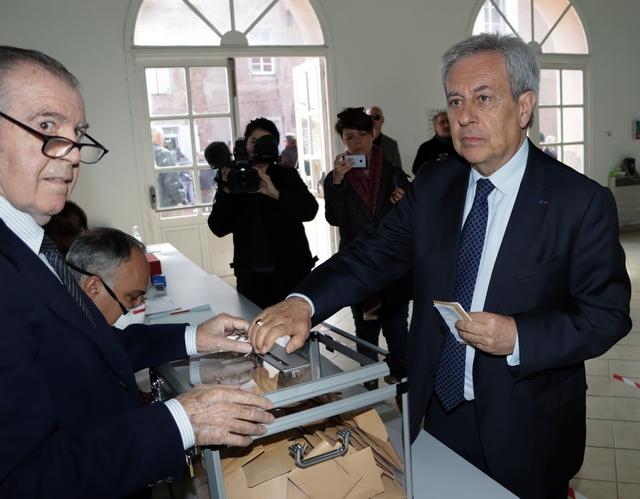 Ange Santini, Maire sortant a voté à la mi-journée