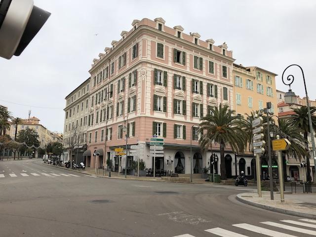 Le centre-ville d'Ajaccio à midi du 17 mars 2020. Photo Michel Luccioni