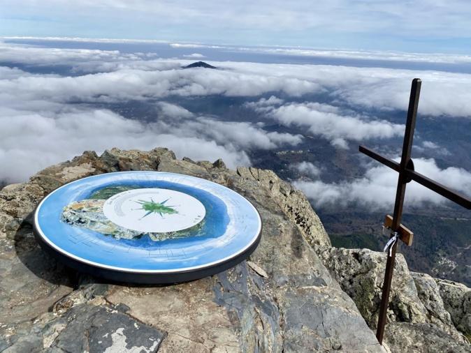 La photo du jour : au sommet du San Petrone