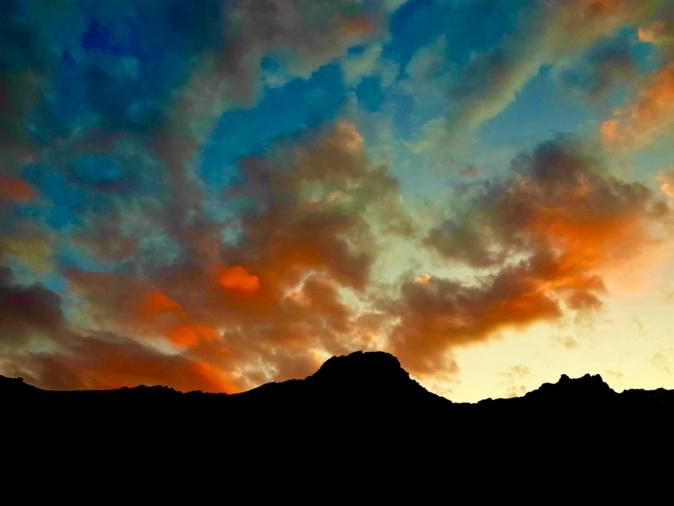La photo du jour : tramontu sopr'a l'Arpone