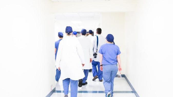 #RenfortCovid, un site pour mobiliser professionnels, étudiants et retraités de la santé