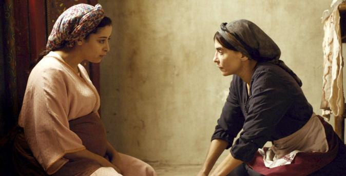 Nisri Erradi et Lubna Azabal respectent les distances de sécurité © Ad Vitam