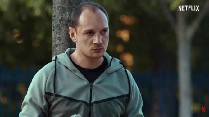 Alexis Manenti dans le rôle d'un voyou serbe pour The Eddy © Netflix