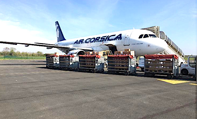 700 colis dans les soutes de l'A320.