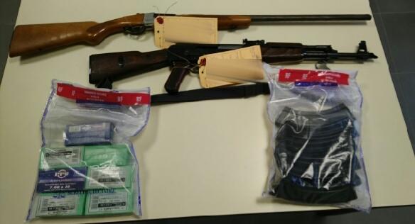Justification de déplacement : le contrôle débouche sur la découverte d'armes et de produits stupéfiants