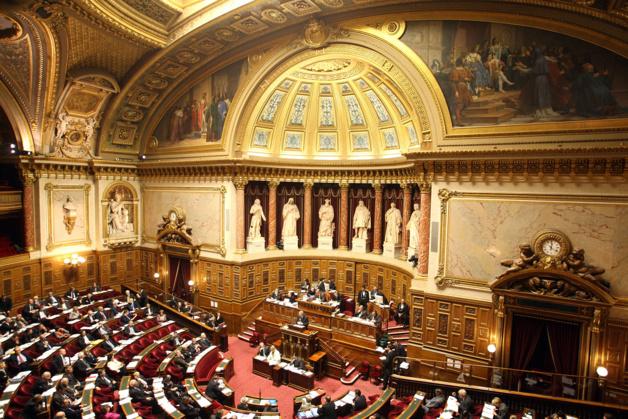 """Déconfinement : le """"non"""" du Sénat au plan du gouvernement"""