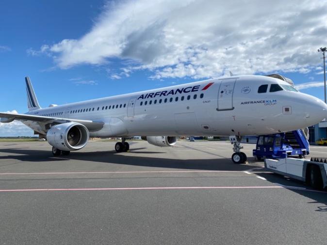L'A321 fraîchement repeint et baptisé Calvi