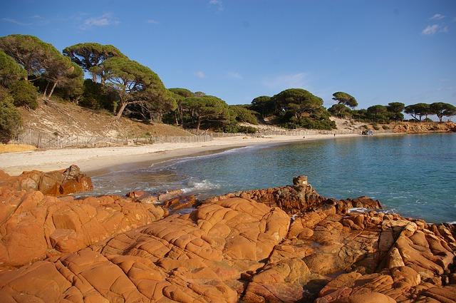 Déconfinement : les plages pourront rouvrir sur autorisation préfectorale