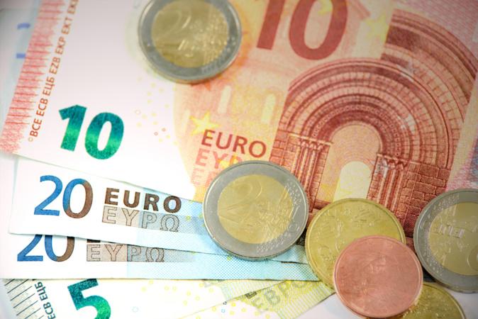 185 156 Corses payeront 300 millions d'euros d'impôt sur le revenu