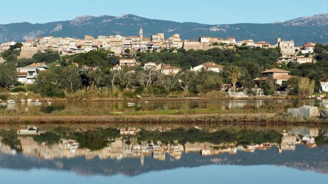 La photo du jour : Porto-Vecchio comme dans un miroir...