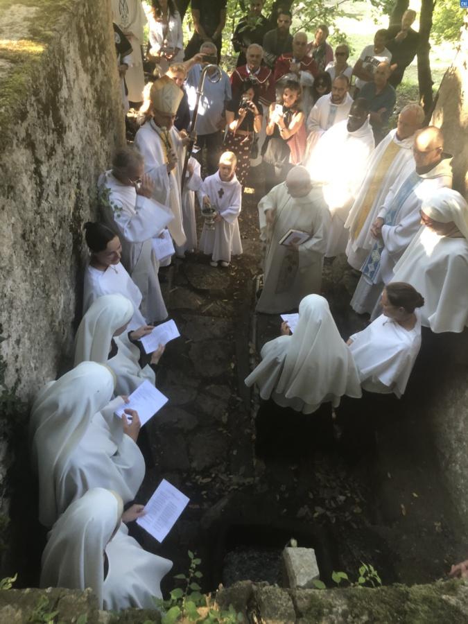 20 ans après, l'eau rejaillit au couvent de Marcassu