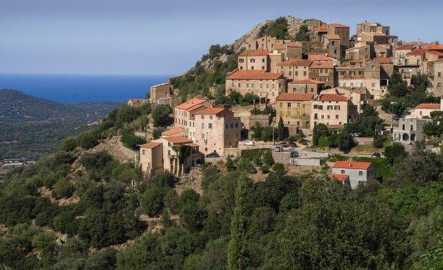 Le village de Belgodere