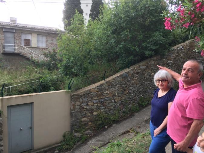 Marie-Joséphine Gianninelli et François Lemonnier s'inquiètent du devenir de cette ancienne école du centre-ville de Bastia