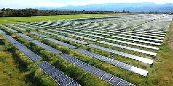 Aghione : 12 000 panneaux photovoltaïques