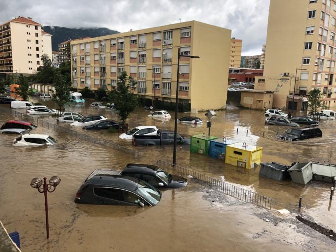 Le Quartier des Salines sous les eaux à Aiacciu.