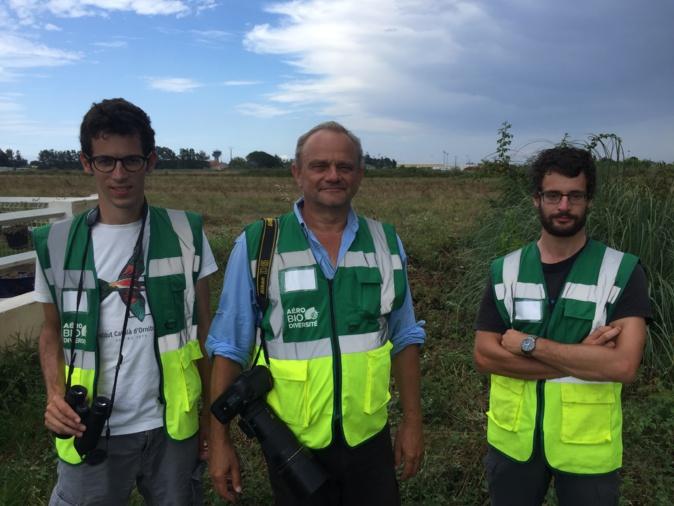Roland Seitre, au centre, et son équipe à Poretta : Kilien de Chateauvieux, ornithologue et entomologiste et Yoann Oury, botaniste et écologue